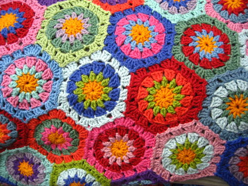 How to Crochet Hexagon Shaped Granny Square Type Motifs | eHow.co.uk