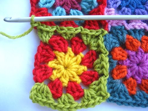 Crochet Stitches To Join Granny Squares : ... granny square you should end the round by making 2 crochet a granny