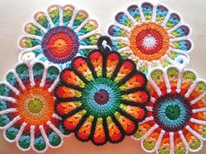 Flower-Potholders-by-Jennifer-Martin