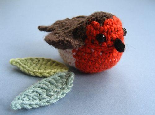 Knitted Robin Pattern For Christmas : Attic24: Winter Wreath :: Ta-dah!