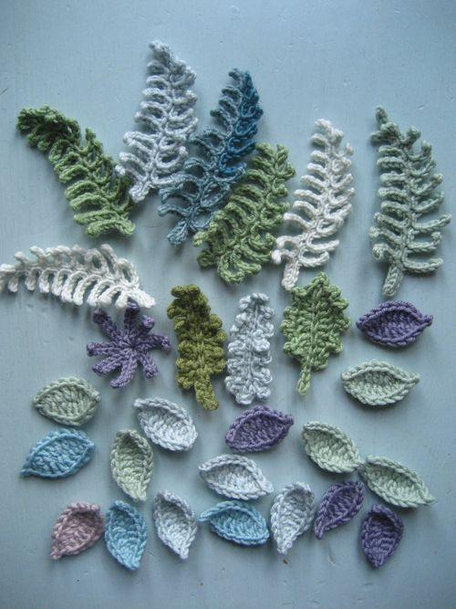 Free Crochet Fern Leaf Pattern : Attic24: Winter Wreath :: the beginning