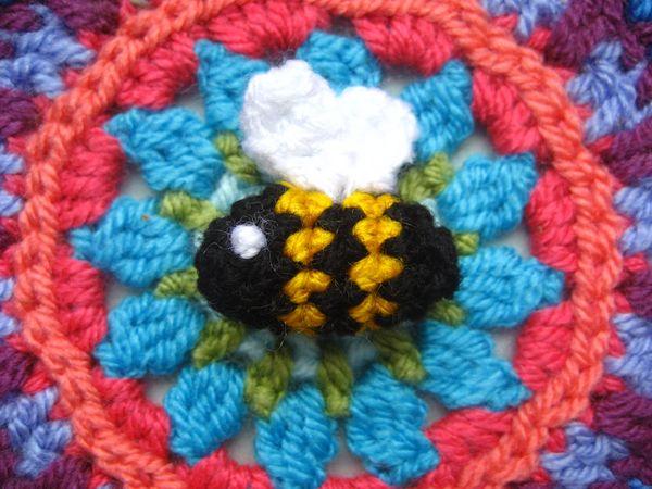 Amigurumi Bee – crochet pattern – Melarossa creazioni | 450x600